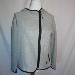 nike wrap up coat size Medium